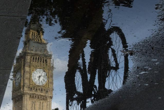 Le référendum arrive à un moment inopportun pour... (Agence France-Presse, Leon Neal)