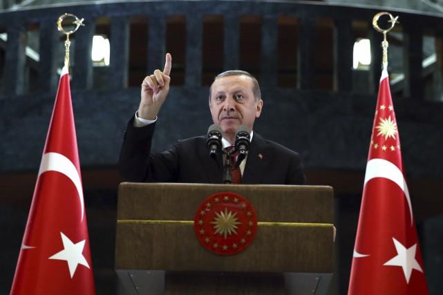 La Turquie a fait de grands pas lundi... (Associated Press)
