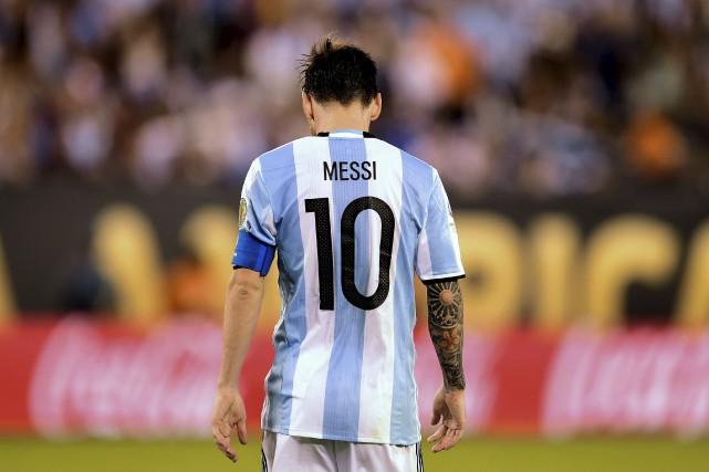 L'Argentin Lionel Messi gère difficilement la défaite de... (Alfredo Estrella, AFP)