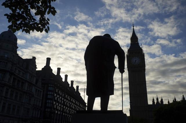 Jeudi dernier, les citoyens britanniques ont voté à... (Agence France-Presse)