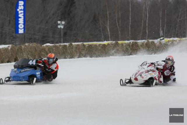 Les spectateurs du Grand Prix Ski-doo deValcourt(GPSV) verront les meilleurs... (Archives La Tribune, René Marquis)