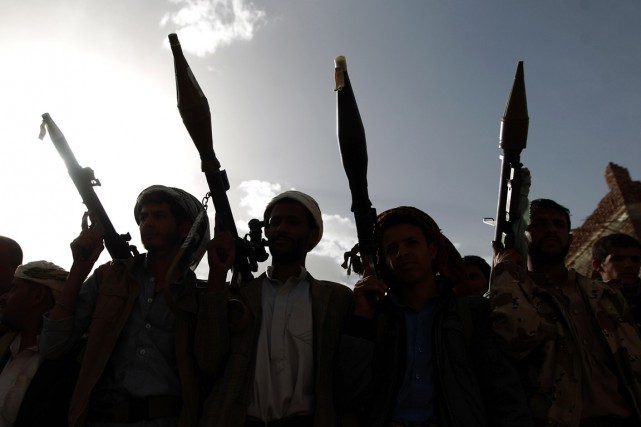 Des rebelles chiites Houthis à Sanaa, le 20 juin.... (PHOTO  MOHAMMED HUWAIS, ARCHIVES AFP)