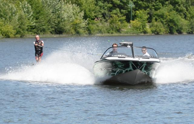 Les activités nautiques sur le lac des Nations seront suspendues lorsque l'eau... (Spectre Média, Maxime Picard)