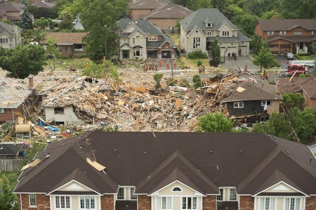 Une maison a été détruite par une l'explosion,... (La Presse Canadienne, Nathan Denette)