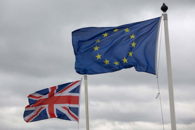 Les Britanniques s'inquiètent d'un effet sur leurs finances personnelles du... (Bloomberg)