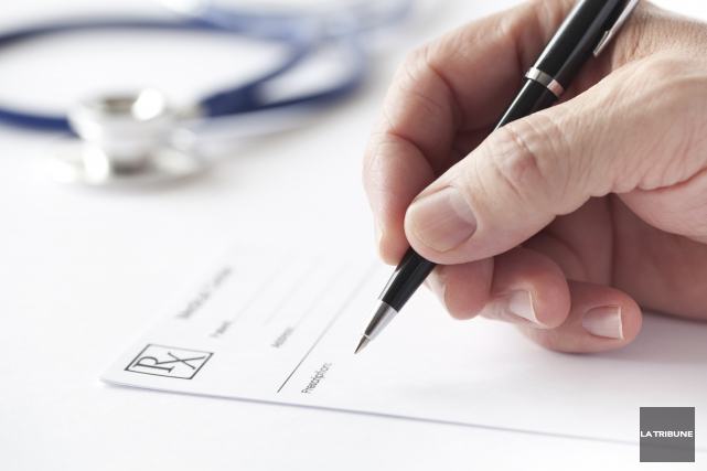 Depuis près de deux décennies, nous, les médecins retraités, payons une... (Archives, La Tribune)