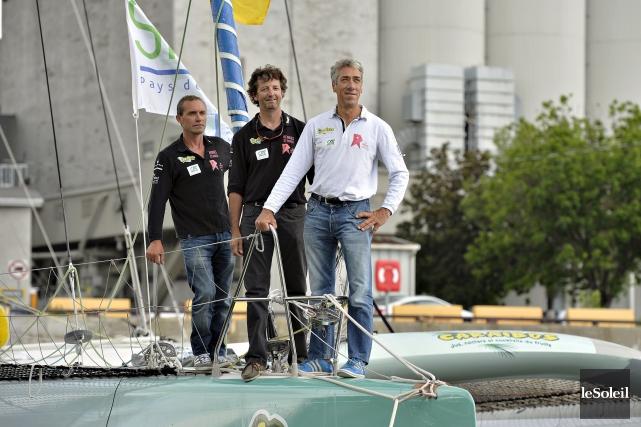 Les marins Gilles Goudé, Charles Mony etGilles Lamiréposent... (Le Soleil, Pascal Ratthé)