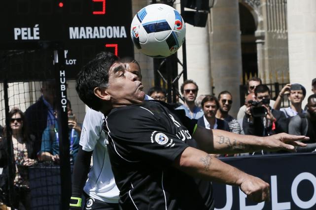 Diego Maradona... (PHOTO ARCHIVES AFP)