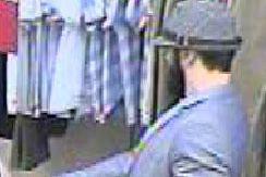 Le Service de police de Sherbrooke (SPS) est à la recherche de deux suspects... (Photo fournie par le SPS)