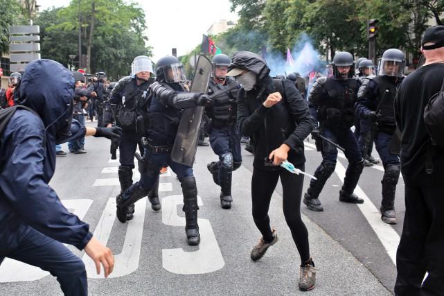La fronde sociale, d'une ampleur inédite sous un... (PHOTO Thibault Camus, AP)