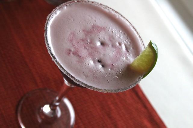 Un cocktail à saveur boréale mettant en valeur le gin québécois Canopée et le... (Mélissa Bradette)