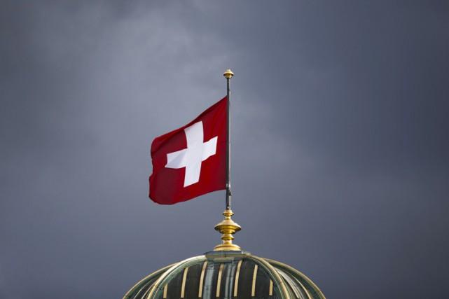 Un père de famille musulman a été condamné mercredi en Suisse à payer une... (ARCHIVES BLOOMBERG)