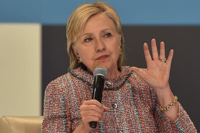 L'avance d'Hillary Clintons'est amoindriesur son rival républicain, Donald... (AFP, Robyn Beck)