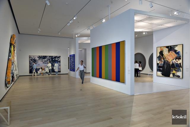 Vue de la première salle de l'exposition De... (Le Soleil, Patrice Laroche)