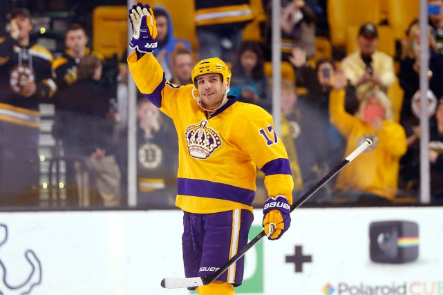 Milan Lucic... (PHOTO WINSLOW TOWNSON, ARCHIVES AP)