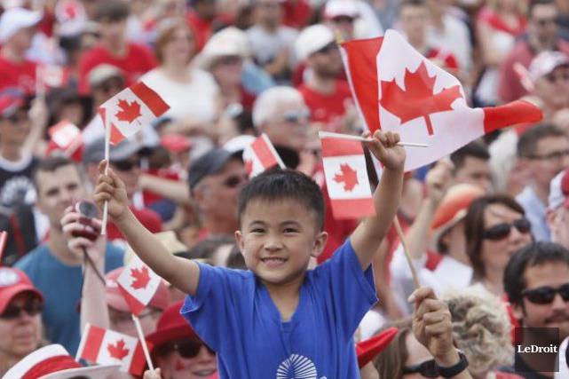 Qu'est-ce qui définit le Canada? Un nouveau sondage suggère qu'il y a autant de... (Photo Simon Séguin-Bertrand, archives Le Droit)