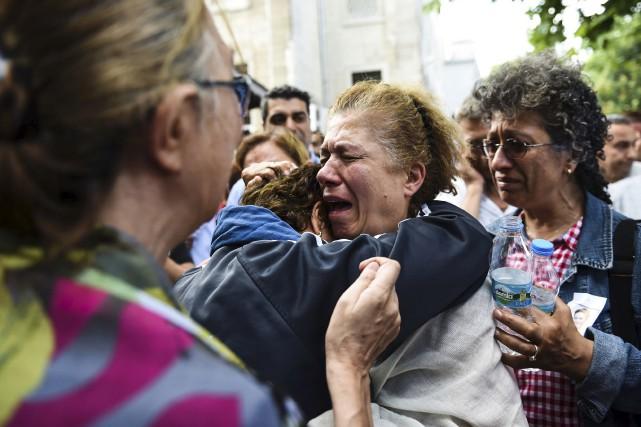 La mère de Gulsen Bahadir, une hôtesse de... (Agence France-Presse)