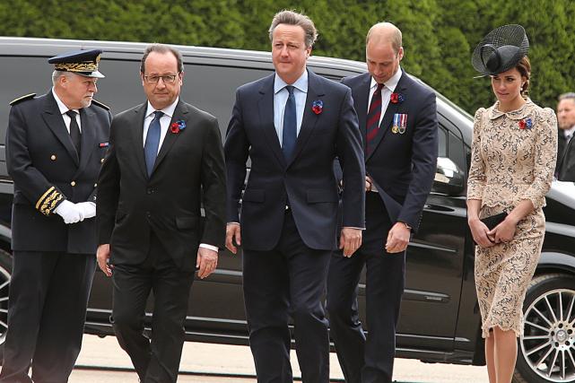 Le président français Francois Hollande, le premier ministre... (AFP, FRANCOIS NASCIMBENI)