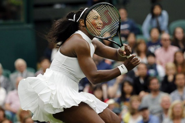 Serena Williams l'a emporté en trois manches contre... (Ben Curtis, Associated Press)