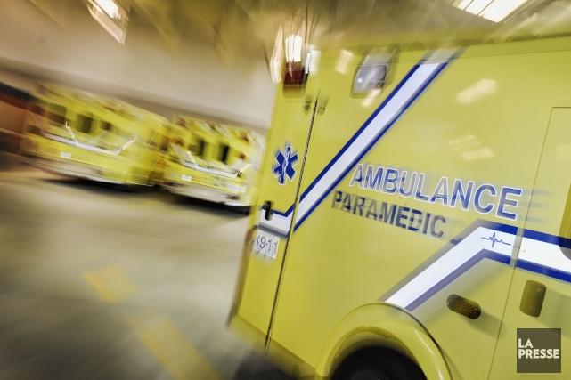Un piéton octogénaire repose dans un état critique à l'hôpital après avoir été... (PHOTO ARCHIVES LA PRESSE)