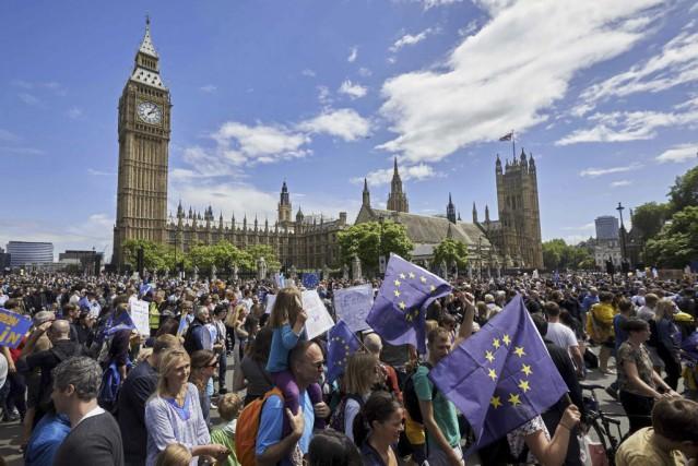 Plusieurs analyses des résultats du référendum sur la sortie du Royaume-Uni de... (PHOTO NIKLAS HALLE'N, AFP)