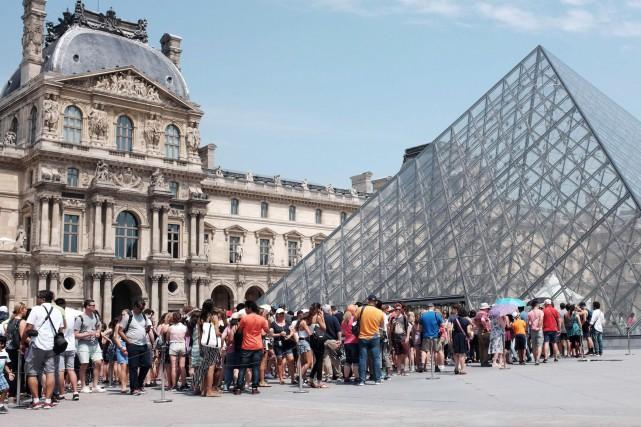Le Louvre table notamment sur le développement du... (PHOTO ARCHIVES AFP)