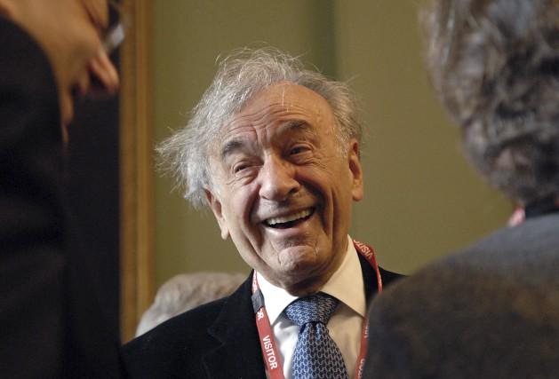 L'écrivain Elie Wiesel, prix Nobel de la paix dont le roman La Nuit... (Archives AFP)