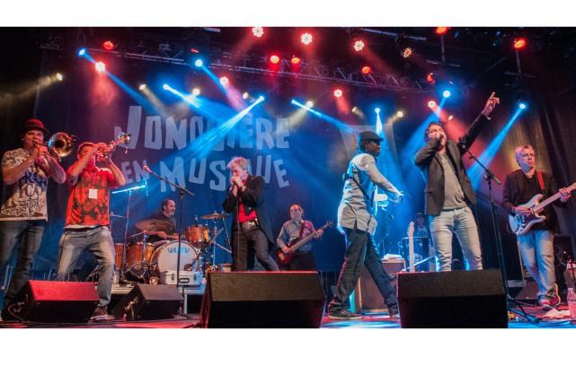 Ce concert s'inscrit dans la tournée Les soirées... (Photo Le Progrès-dimanche, Michel Tremblay)
