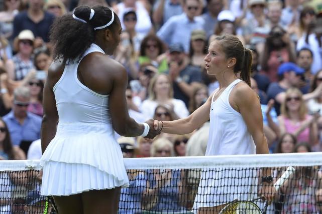 La victoire expéditive de Serena Williams sur l'Allemande... (AFP, GLYN KIRK)