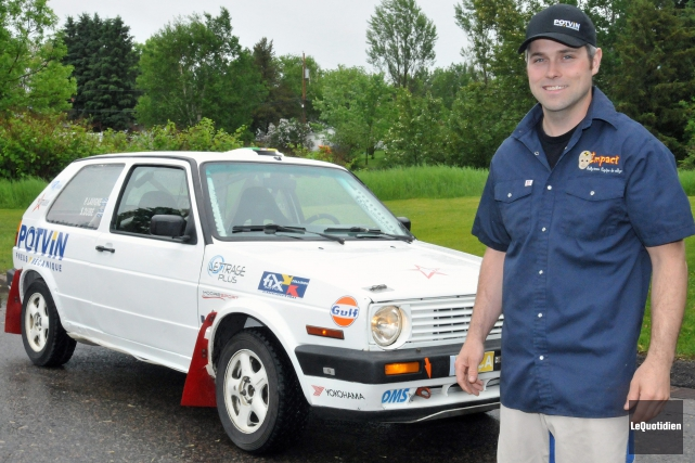 Simon Dubé est champion national en deux roues... (Archives Le Quotidien, Michel Tremblay)