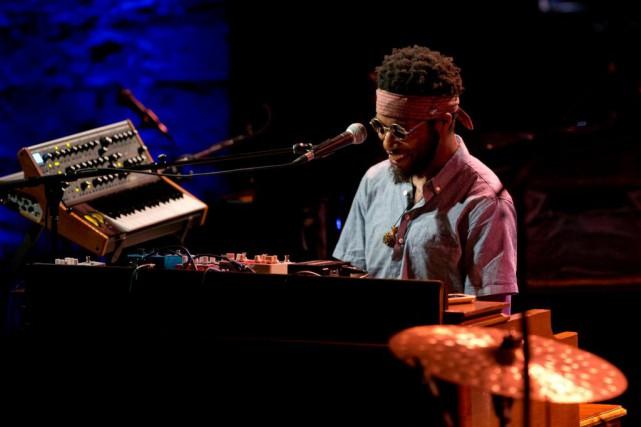Cory Henry s'entoure de synthés, orgue et piano... (PHOTO OLIVIER JEAN, LA PRESSE)