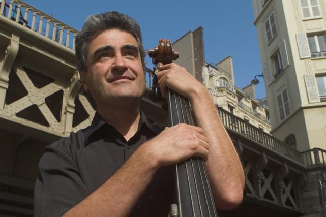 Le contrebassiste français Renaud Garcia-Fons donne un concert... (Photo fournie par le FIJM)