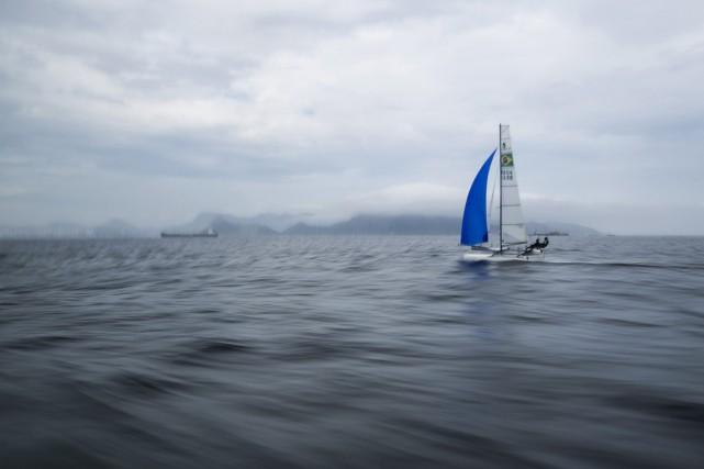 La baie de Guanabara est très polluée, en... (PHOTO Felipe Dana, archives AP)