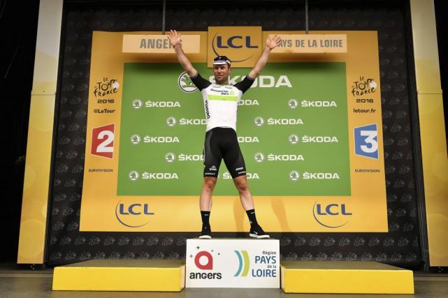Mark Cavendish a remporté la troisième étape du... (Jeff Pachoud, AFP)