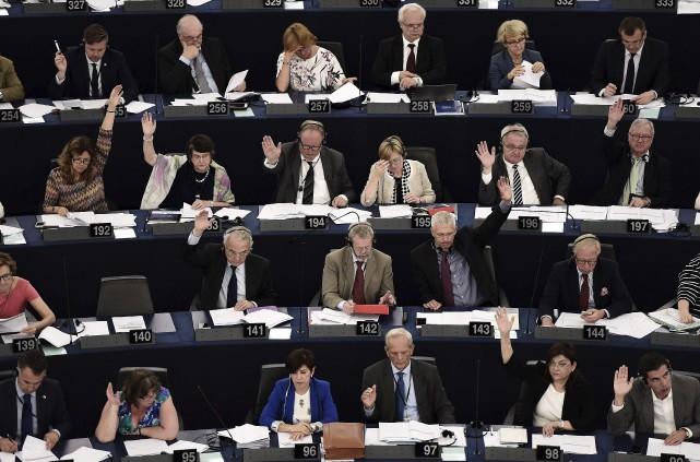Les membres du Parlementeuropéen lors d'une session de... (AFP, Frederick Florin)