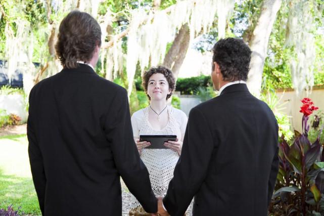 Chez les couples de même sexe, le choix... (123rf/ Lisa Young)