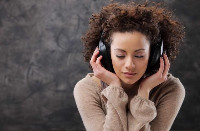 Les ventes de musique en flux, ont connu... (123RF/Stokkete)