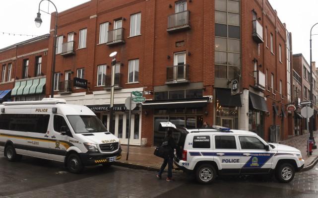 Six des 39 individus arrêtés dans le cadre... (François Gervais)