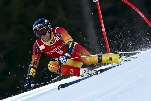 Dustin Cook, le skieur de Lac Sainte-Marie, a... (Alessandro Trovati, Archives AP)