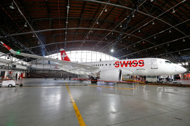 swiss baptise son premier avion c series