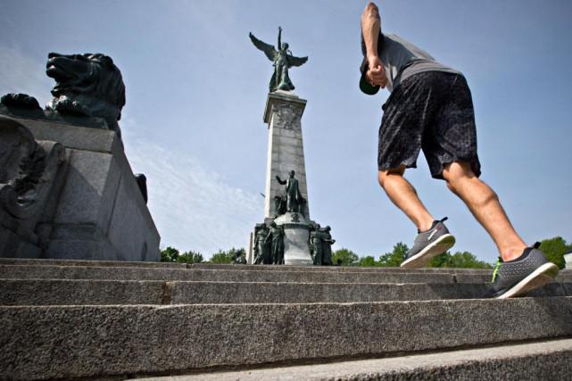 Premier exercice:les escaliersLes marches des escaliers au pied... (Photo Patrick Sanfaçon, La Presse)