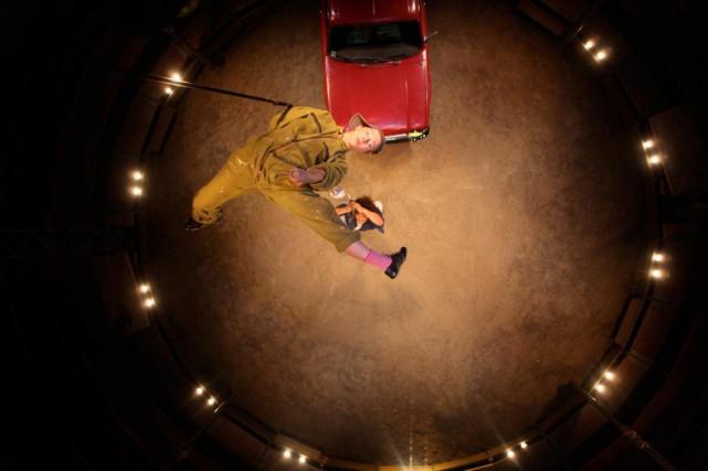 Né en 2012, le spectaclePour le meilleur et... (Photo Mario del Curto, fournie par Montréal Complètement Cirque)