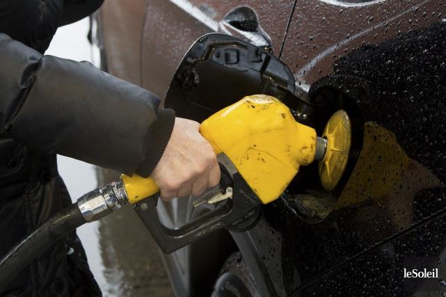 Les fluctuations artificielles du prix de l'essence sont... (Le Soleil, Caroline Grégoire)