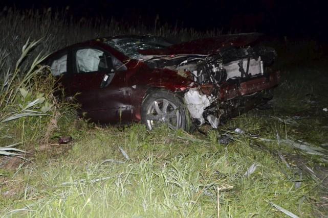 Près des lieux de l'accident, les policiers ont... (Collaboration spéciale, Éric Beaupré)