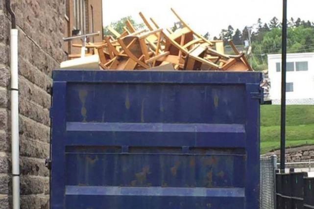 Cette photo du conteneur prise par un passant... (Photo tirée d'Internet)