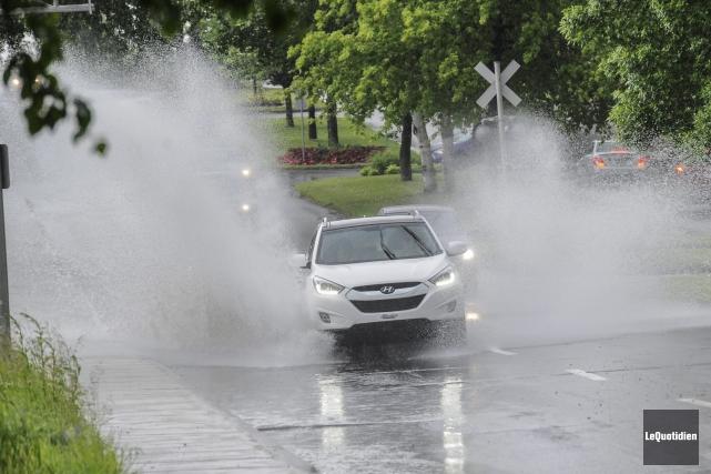Le mois de juin a été particulièrement pluvieux... (Archives Le Quotidien, Gimmy Desbiens)