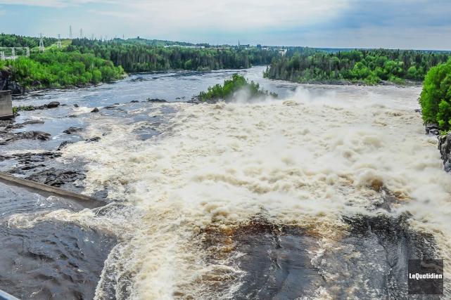 Rio Tinto procède à des déversements sur les rivières Péribonka et Petite... (Archives Le Quotidien, Gimmy Desbiens)