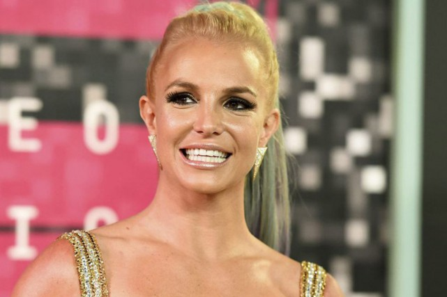 Une vingtaine d'artistes, dont Britney Spears, ont posé... (archives Associated Press)