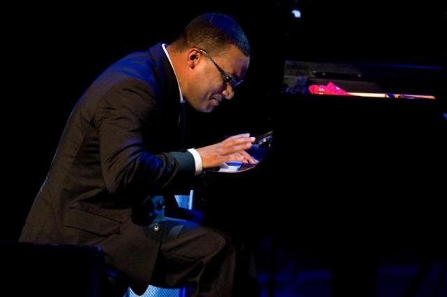 Gonzalo Rubalcaba en concert à la Place des... (Photo Robert Skinner, Archives La Presse)