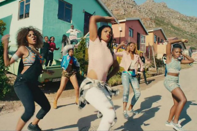 La reprise de la vidéo de la chanson... (Capture d'écran de la vidéo#WhatIReallyReallyWant)
